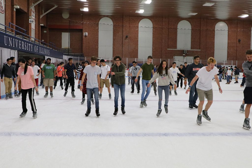 A photo of students at the Fall 2019 ISSS Skate.